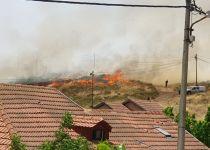 שריפת ענק בבית חגי; 30 בתי תושבים פונו; 4 נפגעים