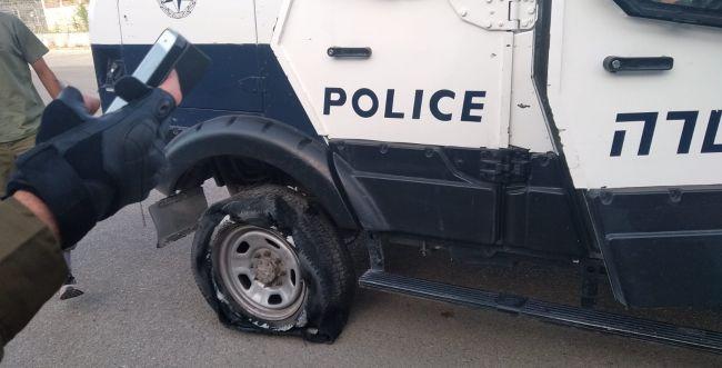 לאחר עימות קשה: רעולי פנים תקפו שוטרים ביצהר