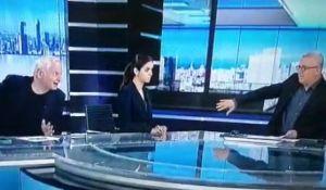 חדשות טלוויזיה, טלוויזיה ורדיו, מבזקים בושה • בשידור חי: המגיש והפרשן לועגים לנתניהו. צפו