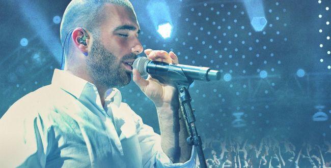 עקף את עומר אדם: זה הזמר הכי מושמע בישראל