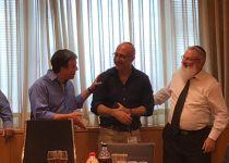 הפיטורים נכנסו לתוקף: קובי אלירז נפרד ממשרד הביטחון