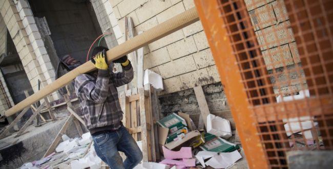 כוחות הביטחון הוקפצו: מכות בין פועלים באלקנה