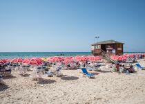 ילד בן 9 נפל מצוק בחוף בת ים; מצבו קריטי