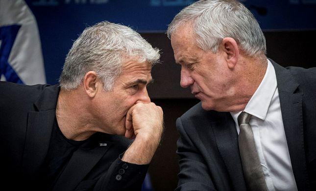 """בני גנץ לאדמו""""ר חרדי: """"יאיר לפיד מתנהג טוב יותר"""""""