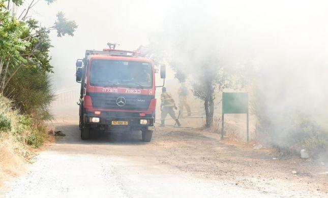במהלך כיבוי השריפה מפקדת הכבאים נפלה לבור