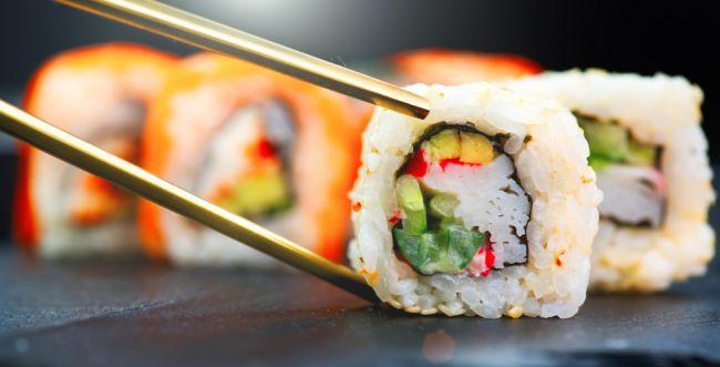 יום סושי שמח: כך תכינו את הלהיט היפני בעצמכם