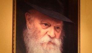 """מבזקים, שו""""ת הרב אבינר: מי שכתב את ההודעה פגע בכבוד הרבי מלובביץ'"""