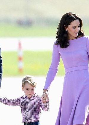 מזל טוב: הנסיך ג'ורג בן 6 ועם תמונות חדשות