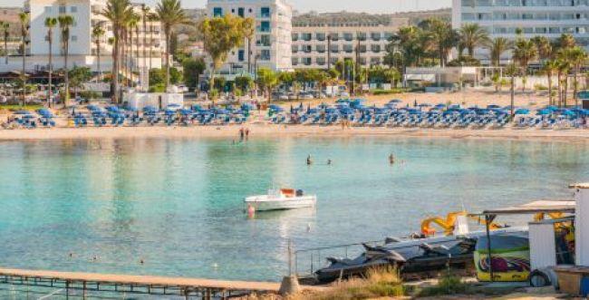 פרשת האונס בקפריסין: אל תאשימו רק את התיירת