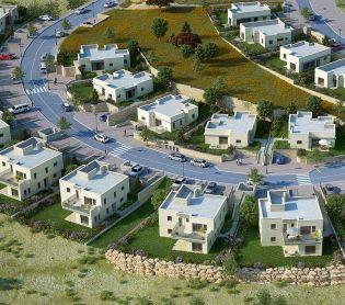 """כלכלה ונדל""""ן, נדל""""ן בית עם גינה, נוף מדהים, מה צריך יותר מזה?"""