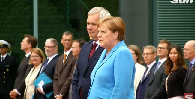 בפעם השלישית: קנצרלית גרמניה רועדת מול המצלמות