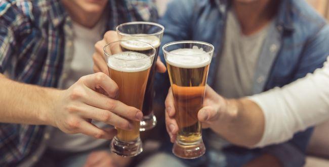 סכנת האלכוהול: בני הנוער הם לא הבעיה