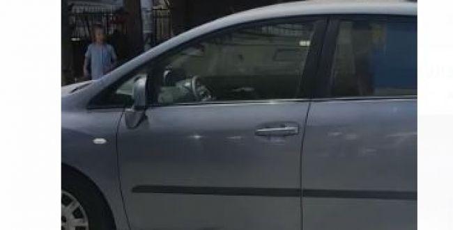 כמעט אסון: צפו בפעוטה שנשכחה ברכב בבני ברק