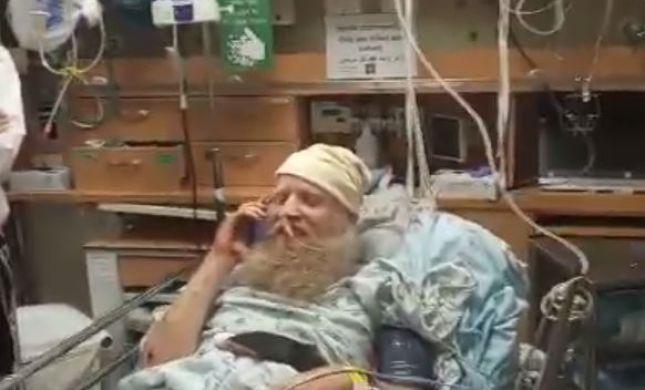 צפו: האב שנפצע בפיגוע שוחח עם ראש הממשלה