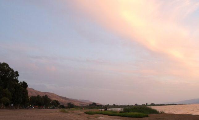 """חופי """"גופרה"""" ו""""לבנון"""" בכנרת אסורים לרחצה"""