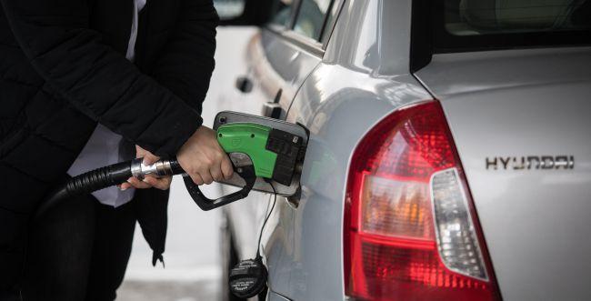 בשורה לנהגים: בסוף השבוע הוזלה במחירי הדלק