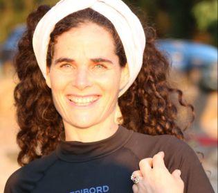 דיבור נשי, מבזקים, סרוגות מה עושה מתנחלת ב'נשים עושות שלום?' ראיון