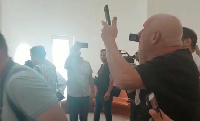 """""""תחזור לסוריה"""" צפו בפעילי עוצמה צועקים על טיבי"""