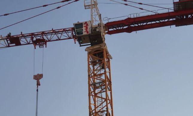 דרמה באוויר: נסיון חילוץ של מפעיל עגורן בגובה 60 מטר