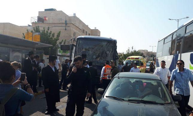 """9 פצועים בהתנגשות אוטובוסים בבית""""ר עלית"""