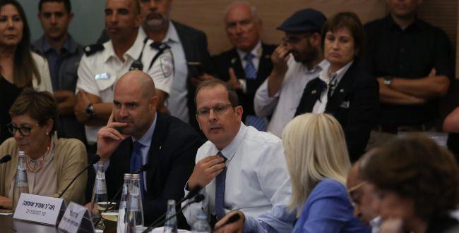 מפלה לליכוד: חוק המצלמות נפל בוועדה