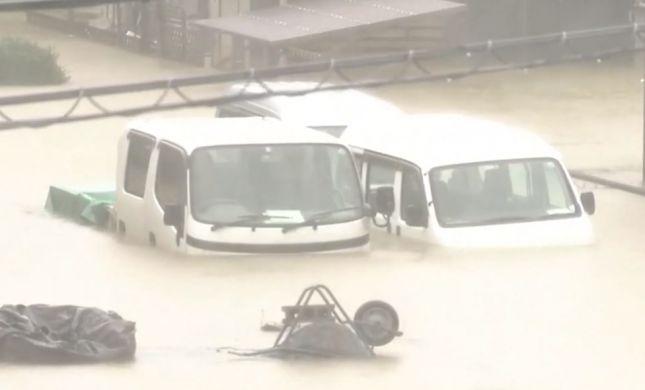 סופת ענק ביפן: אדם נהרג, מעל 30 נפצעו בטייפון