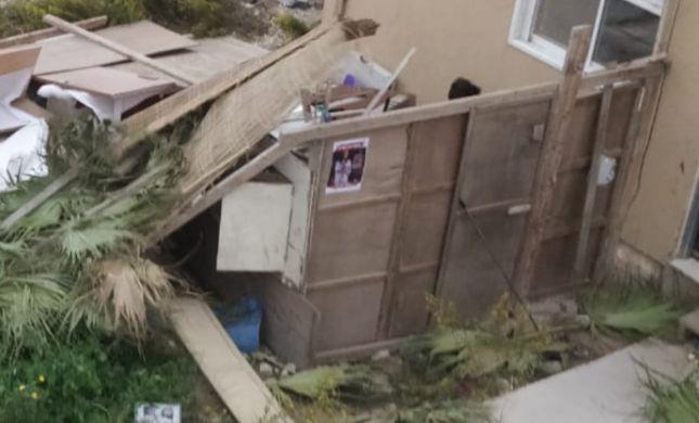 נזקי מזג האוויר: עשרות סוכות התפרקו ונהרסו
