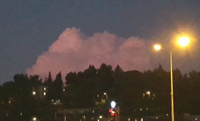צפו: מופע ברקים בתוך ענן בירושלים