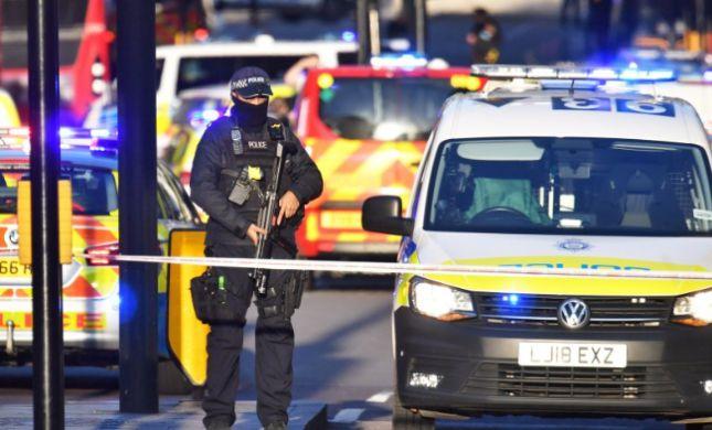 דאעש לקחו אחריות: תיעוד מפיגוע הדקירה בלונדון