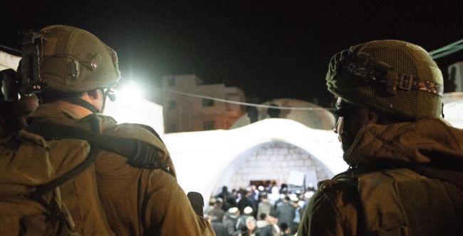כ-1,400 מתפללים נכנסו לקבר יוסף הלילה