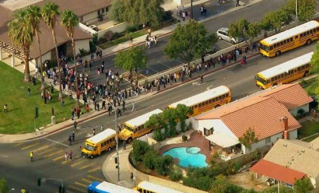ירי בקליפורניה: הרוגה ו-5 פצועים בתיכון, היורה נתפס