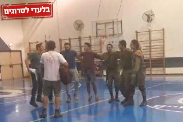 צפו: נוער אופקים בריקוד מחזק עם חיילי וחיילות פיקוד העורף