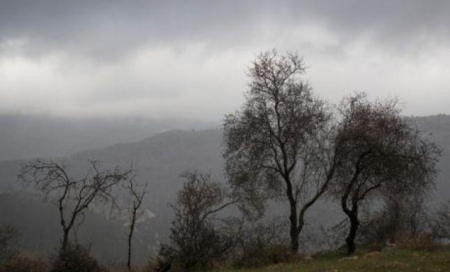 """הטמפרטורות צונחות; הגשם חוזר; תחזית מזג האוויר לסופ""""ש"""