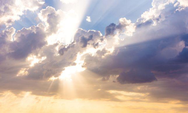 מה צריך להיות יחסנו לציווי האלוהי?
