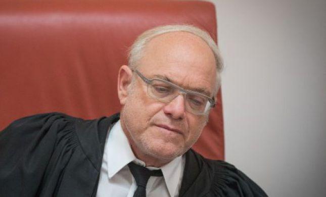 בעקבות הסערה: השופט הנדל מחק את פסק דינו