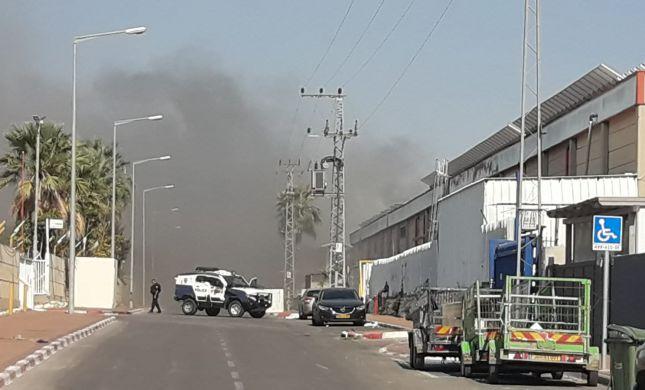 נזק נגרם למפעל בשדרות: נפגע מפגיעה ישירה מרקטה
