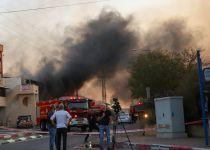 שריפת ענק בשדרות: רקטה פגעה במחסן מפעל