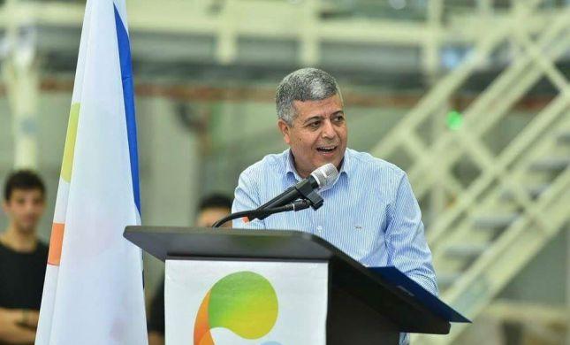 מכה לנתניהו: ראש עיר נוסף מתייצב לצידו של גדעון סער