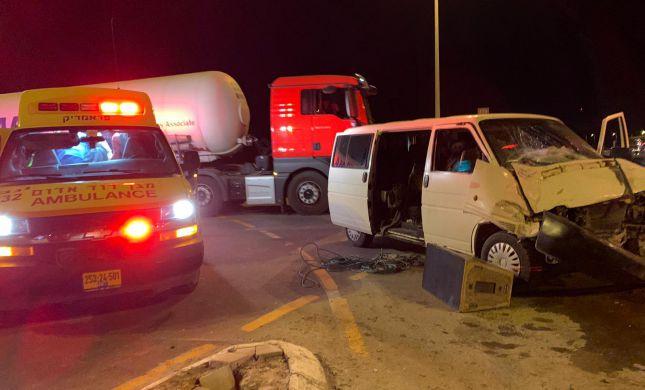 10 פצועים בתאונת דרכים סמוך לצומת דימונה