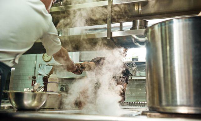 הרבנות: אין לברר יהדות של עובד מטבח בלי חשד סביר