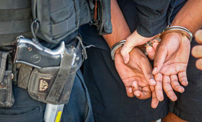 כתב אישום נגד קטין שמכר לקטינים סמים