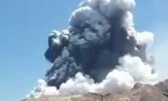 צפו: התפרצות הר געש באי הלבן בניו זילנד