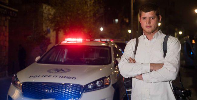 מאז שחזרתי ללבוש חולצה לבנה - השוטרים מתנכלים לי