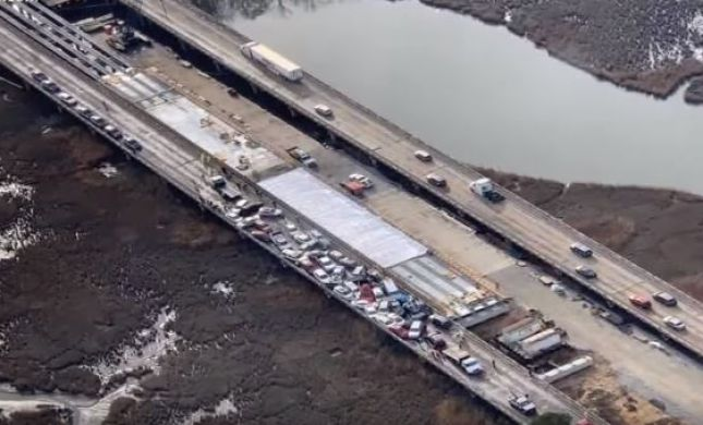"""תאונת ענק בארה""""ב: 69 כלי רכב התנגשו אחד בשני"""