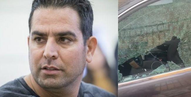 """""""תוצאה של הסתה"""": רכבו של מני נפתלי נפרץ והושחת"""