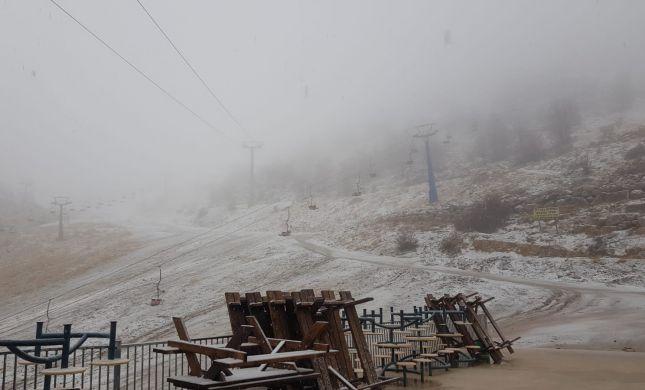 הסערה כבר פה: הצפות, 0 מעלות ושלג ראשון; צפו