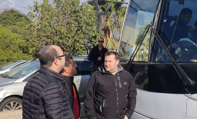 שומרון: גולת ברזל נורתה אל עבר אוטובוס עם תלמידים