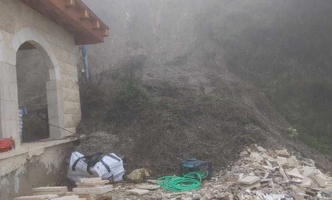 """בית העלמין העתיק בצפת: ההר נסחף על מקווה האר""""י"""