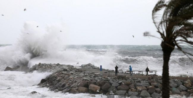 לא רק בישראל סוער: 4 הרוגים בסופה במזרח ספרד