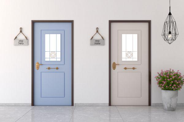 מחדשים את דלת הכניסה? הפטנט שיחסוך לכם כסף